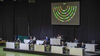 Brachten die Anpassungen an der Härtefallregelung durch: Die Luzerner Regierungsrätewährend der Kantonsratssitzung in der Stadthalle in Sursee. (Urs Flüeler/Keystone (15. März 2021))