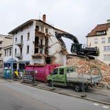 Das Gebäude mit dem Laden der Thür AG verschwindet aus dem Rorschacher Stadtbild. (Bild: Rudolf Hirtl)