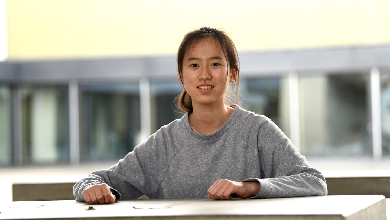 Zahlen, Zusammenhänge, Zuordnungen: Yanta Wang knobelt gerne. (Juri Junkov)