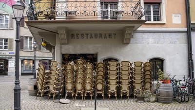 Ein geschlossenes Restaurant in Luzern. (Bild: Urs Flüeler / Keystone (27. Februar 2021))