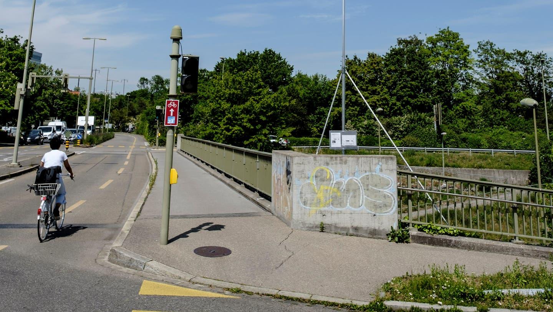 Die Einsprachen gegen 5G-Antennen beim Gymnasium Münchenstein im Ehingerpark, Ecke Baselstrasse/Bruderholzstrasse haben Folgen. (Bild: Kenneth Nars)