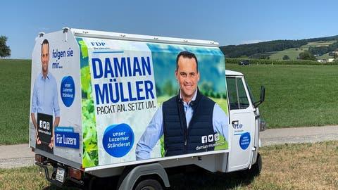 Das Müller-Mobil: Damian Müllers Wahlkampfgefährt, ist für den Luzerner Ständerat ein «Traum»; unabhängig vom CO2-Ausstoss. (HO)