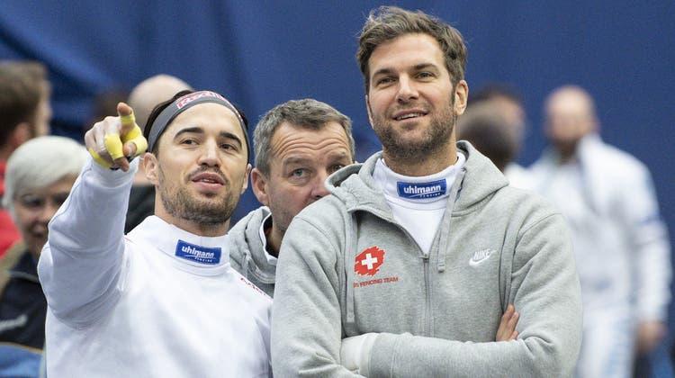 Max Heinzer (links) und Benjamin Steffen wollen dem Schweizer Degenteam in Russland das Olympia-Ticket sichern. (Keystone/Peter Schneider)