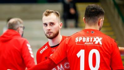 Die Leistungsträger David Poloz (l.) und Diogo Oliveira spielen nach Ablauf dieser Saison nicht mehr für den HSC Suhr Aarau. (Bild: Freshfocus)