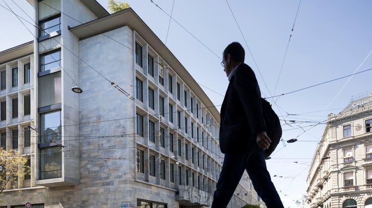 Banken-Chefs verdienen auch am Coronajahr gut: Banken in Zürich. (Gaetan Bally/KEYSTONE)