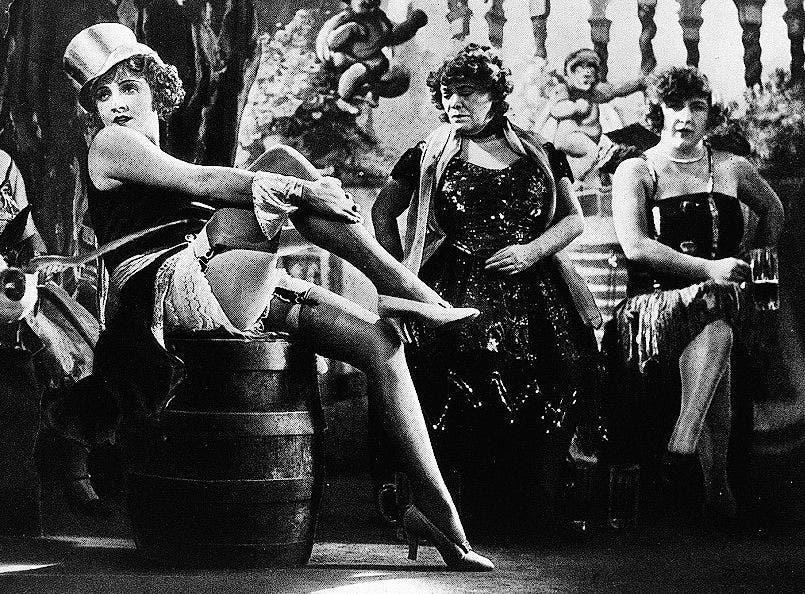 Marlene Dietrich (1930) als Rosa Fröhlich in «Der blaue Engel», der Verfilmung von Manns «Professor Unrat».