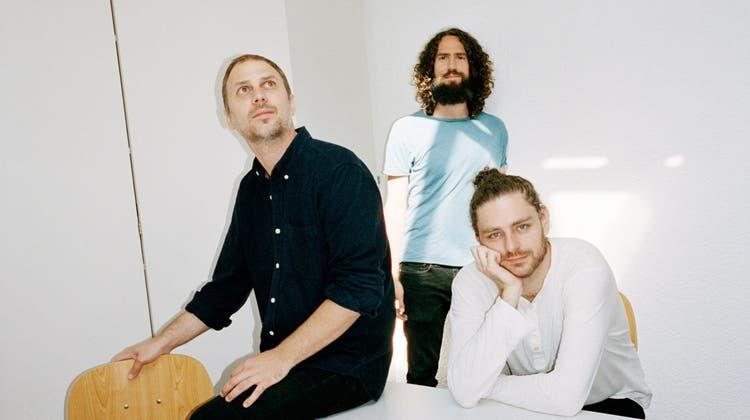 Urs Müller, Raphael Loher und Nicolas Stocker (v.l.n.r.) machen Musik im Fliessbereich von Minimal, Jazz, Post-Rock und Elektronik. (Bild: PD)