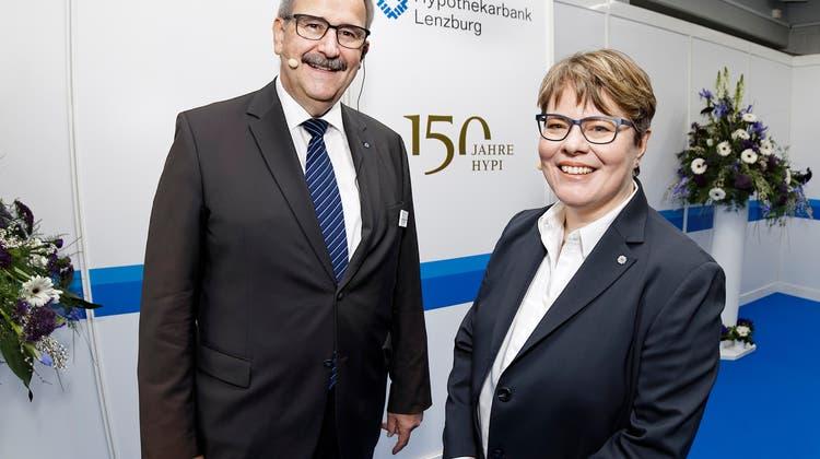 Verwaltungsratspräsident Gerhard Hanhart und CEO Marianne Wildi an der letzten physisch durchgeführten Generalversammlung im Jahr 2019. (Andre Albrecht)