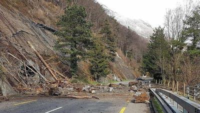 Kantonsstrasse zwischen Gersau und Brunnen bleibt mehrere Wochen gesperrt