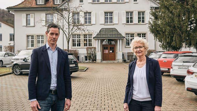 René Zumsteg (links) übernimmt in zehn Tagen die Leitung von Evelyne Bauer Richter. (Bild: Roland Schmid)