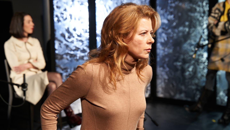 Diana Dengler spielt die Fahrlehrerin. (Bild: PD/Jos Schmid)