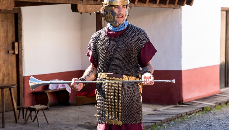 Markus Häni als Optio Marcus Tullius Invictus in Windisch. (Bild: Sandra Ardizzone (8. Juni 2020))