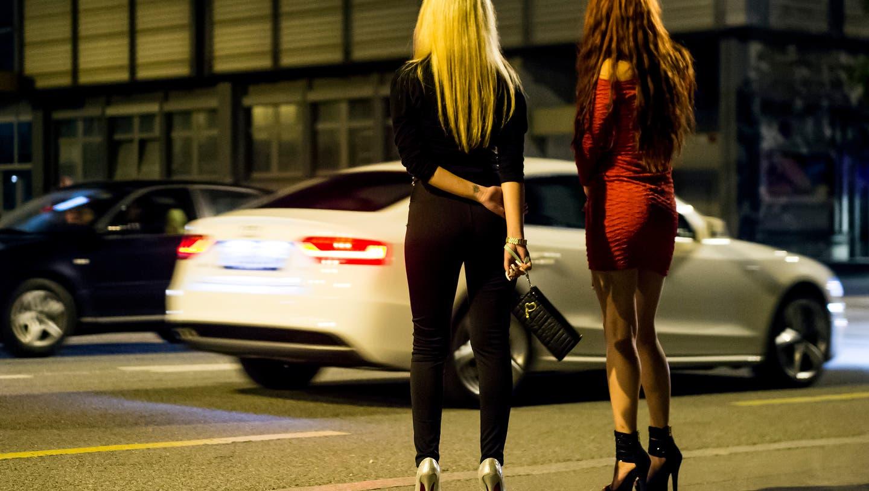 Das Obergericht habe es versäumt, die Frau, die er zur Prostitution gezwungen haben soll, einzuvernehmen, so das Bundesgericht. (Symbolbild) (Jean-Christophe Bott / KEYSTONE)