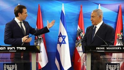 Sebastian Kurz (links) auf Besuch bei Benjamin Netanyahu in Jerusalem, Juni 2018. (Keystone)