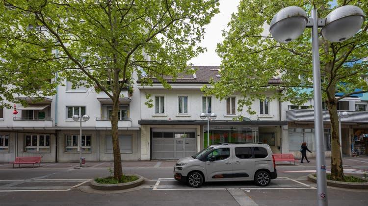 An der Aarauerstrasse 31 in Olten plant die Prime Energy Cleantech einensechsstöckigen Neubau der südlichen Blockrandbebauung und zugleich dieAufwertung des Innenhofs. (Patrick Lüthy)