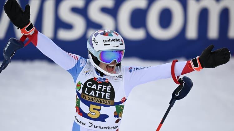 Michelle Gisin fährt in Lenzerheide aufs Podest. Die Engelbergerin in diesem Winter zum vierten Mal aufs Slalom-Podium. (Keystone)