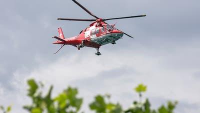 Bub (2) aus Aare gerettet – Rettungshelikopter fliegt ihn ins Spital