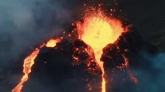 Ein vom isländischen Wetteramt zur Verfügung gestelltes Handout-Foto zeigt ein von einem Hubschrauber der Küstenwache aufgenommenes Bild des Vulkanausbruchs am Geldingadalur. (Bild. Icelandic Meteorological Office  / EPA)
