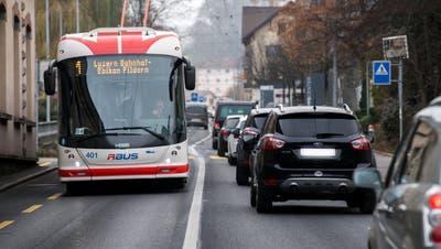 Ein Bus der Verkehrsbetriebe Luzern. (Bild: Eveline Beerkircher (Kriens, 26. November 2020))