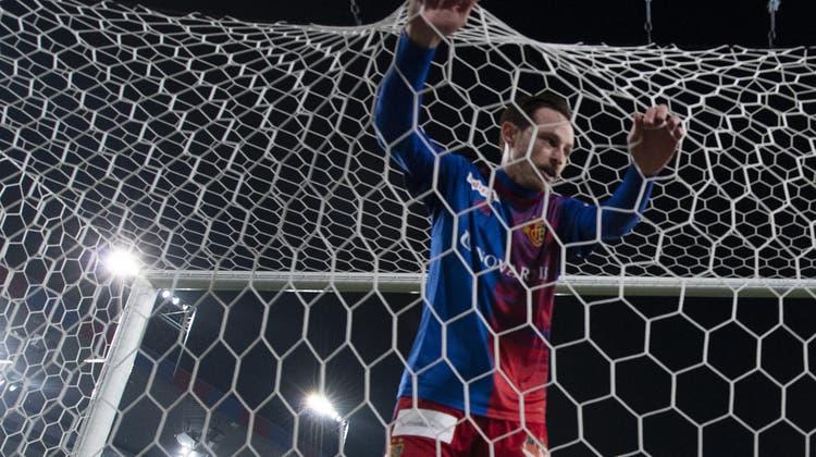 Massimo Ceccaroni, Bernhard Burgener, Marco Streller und Alex Frei bilden die neue Führung beim FC Basel. (Keystone)