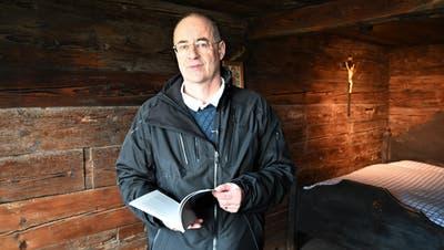 Historiker Roland Gröbli im Wohnhaus von Bruder Klaus. (Bild:Romano Cuonz (Flüeli-Ranft, 21. März 2021))