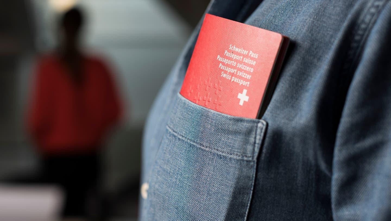 Kantonsrätinnen von Grünen, SP, EVP und AL fürchten nun, dass betroffene Personen auf den Bezug von Sozialhilfegeldern verzichten, um ihr Verfahren nicht zu gefährden. (Symbolbild: Christian Beutler / Keystone)