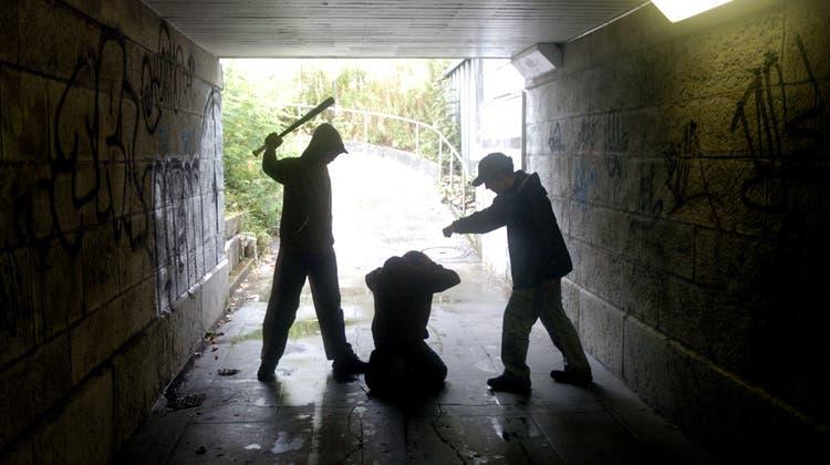 Jugendliche werden wegen Corona vermehrt kriminell. (Symbolbild:Hanspeter Baertschi)