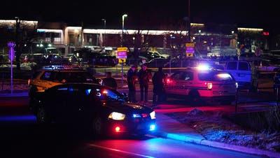 In diesem Supermarkt in Boulder tötete eine Person zehn Menschen. (Bild: Keystone/ Brendan Davis / EPA)