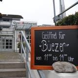 Nur wenige Restaurants wollen mittags für Büezer öffnen, denn es drohen Verluste. (Urs Hanhart)