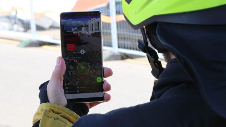 Die neue Hydranten-Finder-App findet auch bei der Feuerwehr Dietikon Anklang. (Bild: zVg/Gebäudeversicherug Zürich)