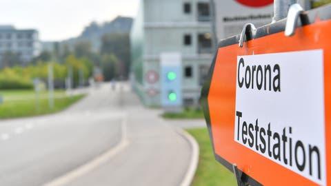 Im Kanton werden wieder mehr Personen positiv auf das Covid-19 getestet. (Bild: Bruno Kissling)