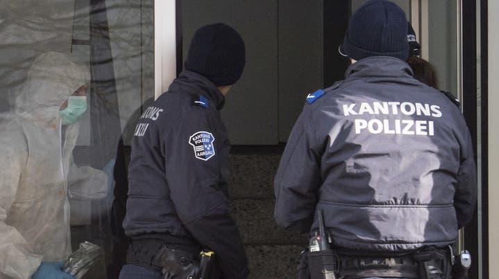 Kontrolle im Rahmen einer Anti-Einbruch-Aktion der Kantonspolizei Aargau: Künftig müssen vorläufige Festnahmen von mutmasslichen Kriminaltouristen besser dokumentiert werden. (Severin Bigler (Rothrist, 22. November 2019))