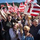 Die Projurassier feierten 2017 ausgelassen einen Sieg - doch die Abstimmung wurde kurz darauf annulliert. (Bild: Keystone)