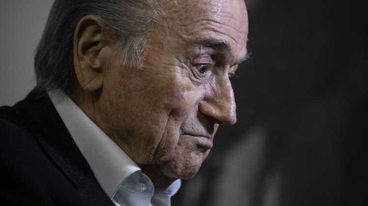 Sepp Blatter wird von der Fifa-Ethikkommission bereits zum zweiten Mal bestraft (Archiv). (Ennio Leanza / EPA)