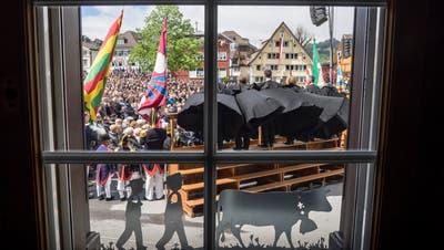 Die Landsgemeinde wurde wegen Corona abgesagt. Stattdessen findet am 9. Mai ein Urnengang statt. (Bild: Hanspeter Schiess)