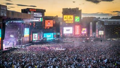 US-Rapper Future begeistert TausendeFans vor der Skyline Stage. (Bild: Andrea Stalder (Frauenfeld,11. Juli 2019))