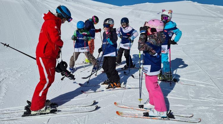 Swisscom «Snowdays»: In kleinen Gruppen wurden die Schulkinder von ausgebildeten Skilehrern instruiert. (Mike Brotschi)