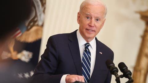 Ein Auftritt mit vielen Floskeln: Präsident Joe Biden hält seine erste Solo-Pressekonferenz. (Oliver Contreras / Pool / EPA)