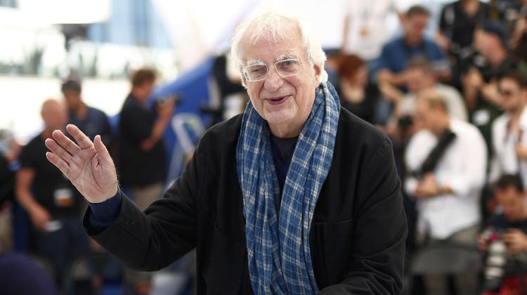 Bertrand Tavernier posiert am 17. Mai 2016 am Filmfestival von Cannes. (Ian Langsdon / EPA)