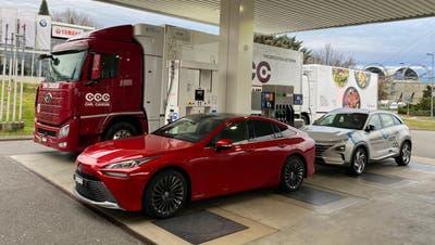 Dank dem Schwerverkehr lohnen sich Wasserstoff-Tankstellen auch für Personenwagen. (Bild: Manfredi)