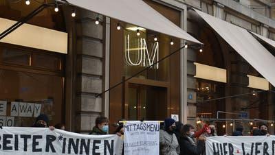 Seit mehreren Tagen in der Kritik: das«Unternehmen Mitte» zwischen dem Barfüsserplatz und dem Marktplatz in Basel. (Roland Schmid)