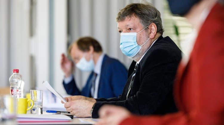 Roland Heim bei der Präsentation der Staatsfinanzen. (Hanspeter Bärtschi)
