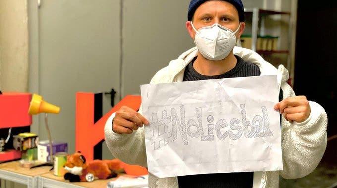 Rapper Knackeboul ist auch Teil der #NoLiestal-Bewegung. (Quelle: twitter.com/Knackeboul)