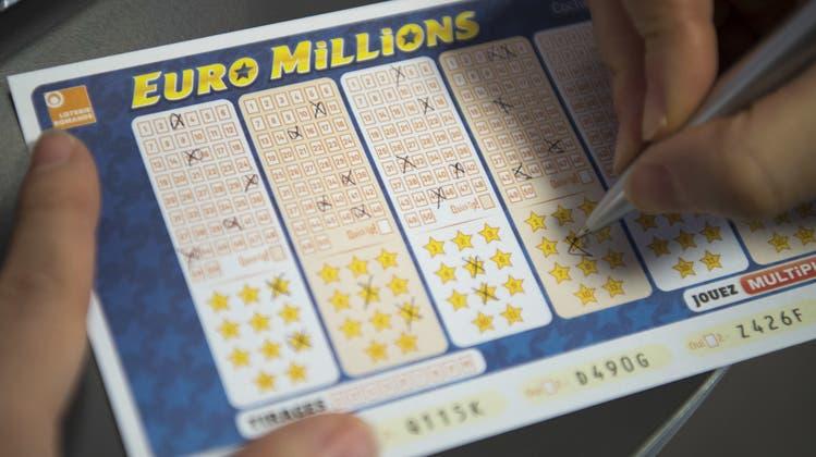 42,8 Millionen Franken gewann eine Schweizerin im Jahr bei Euro-Millions – noch im selben Jahr zog sie um. (Symbolbild) (Keystone/Laurent Gillieron)