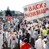 Der Protestmarsch des Vereins «Stiller Protest» gegen die Corona-Massnahmen am 20. Februar 2021 in Wohlen. (Andre Albrecht / AAR)
