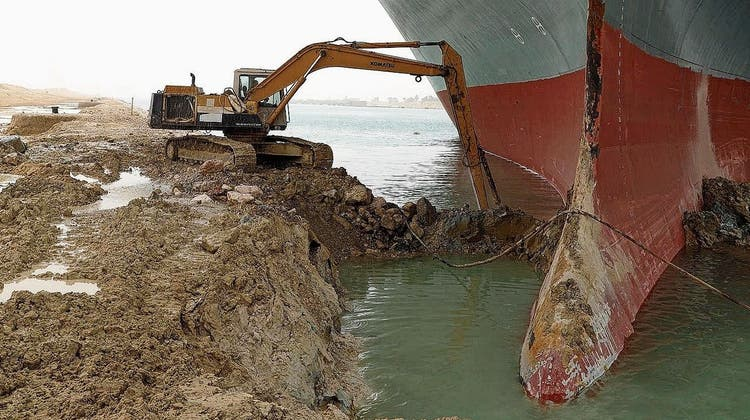 Ein einziges Schiff blockiert den Welthandel:Warum der Suezkanal so wichtig ist