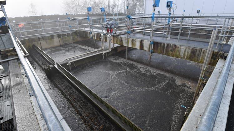 Schweizer Kläranlagen sollen in Zukunft auch Mikroverunreinigungen aus dem Abwasser filtern. (Bruno Kissling)