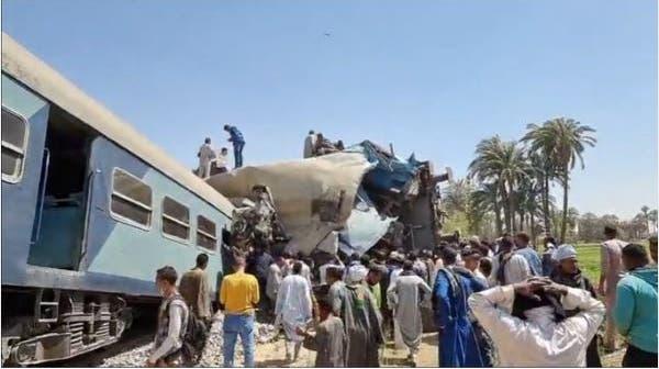 Zwei Züge prallten in Oberägypten zusammen. (Screenshot Egypt Today)