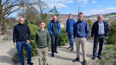 Die Kandidaten (von links): Oliver Hager, Fabian Sigrist, Bruno Hunziker, Florian Kurmann und Joel Geller zusammen mit Markus Lang, Präsident GLP Brugg/Windisch. (Bild: zvg)