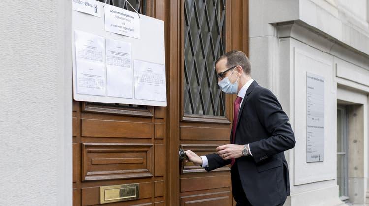 Markus Heer schafft bei den Ersatzwahlen den Einzug in den Glarner Regierungsrat. (Keystone)